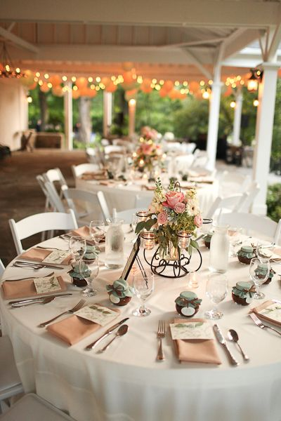 vintage inspired wedding decor 17 best images about 1940 s wedding ideas on 8281