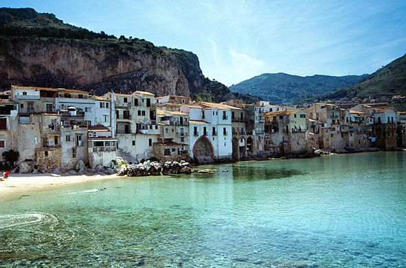 Cefalu, #Sicily. Great family break destination and not too far :-) #travel