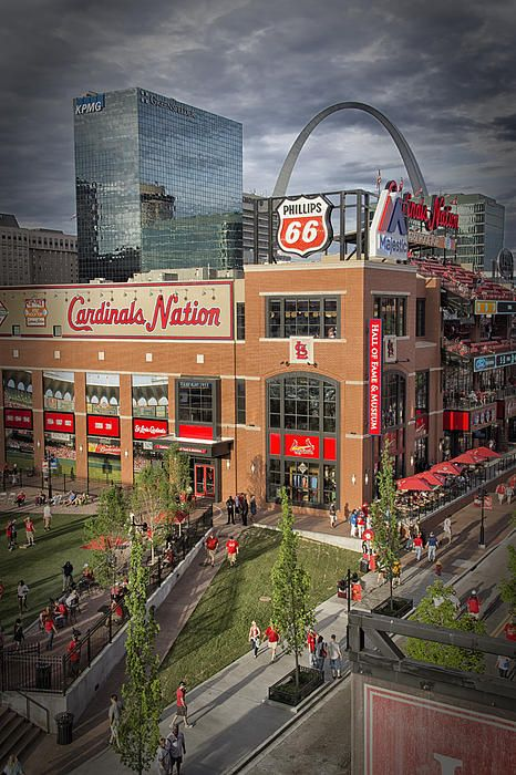 ** Cardinals Nation Ballpark Village ** St. Louis Cardinals ** Live at The Terra Cotta Lofts and Walk to ALL of The St Louis Events....!!!! The Terra Cotta Lofts is truly just blocks from **EVERYTHING ST LOUIS**....!!!