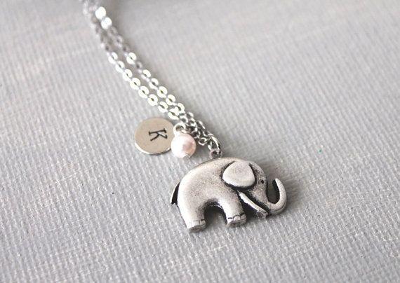 Personalisierte erste Elefant Halskette. Elefant von lunashineshine                                                                                                                                                                                 Mehr