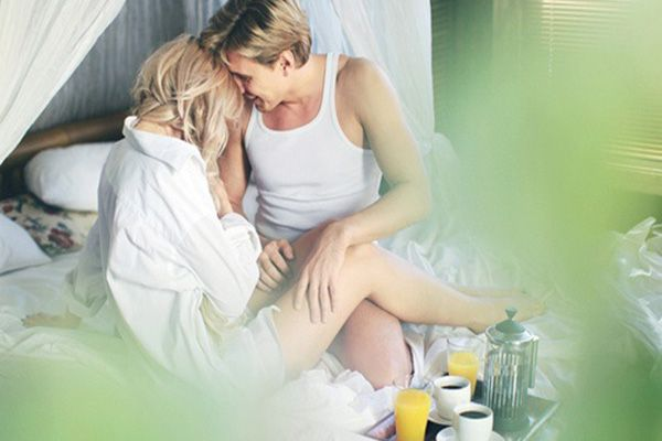 Have breakfast in bed the day after the wedding. Nothing is more romantic than waking up to your guy as his wife for the very first time. But with crazy events and the never-ending hosting that comes along with throwing a wedding, you may be too busy to enjoy lounging the day after. Ask your Maid of Honor or planner to send over breakfast in bed, which could be just the cure.