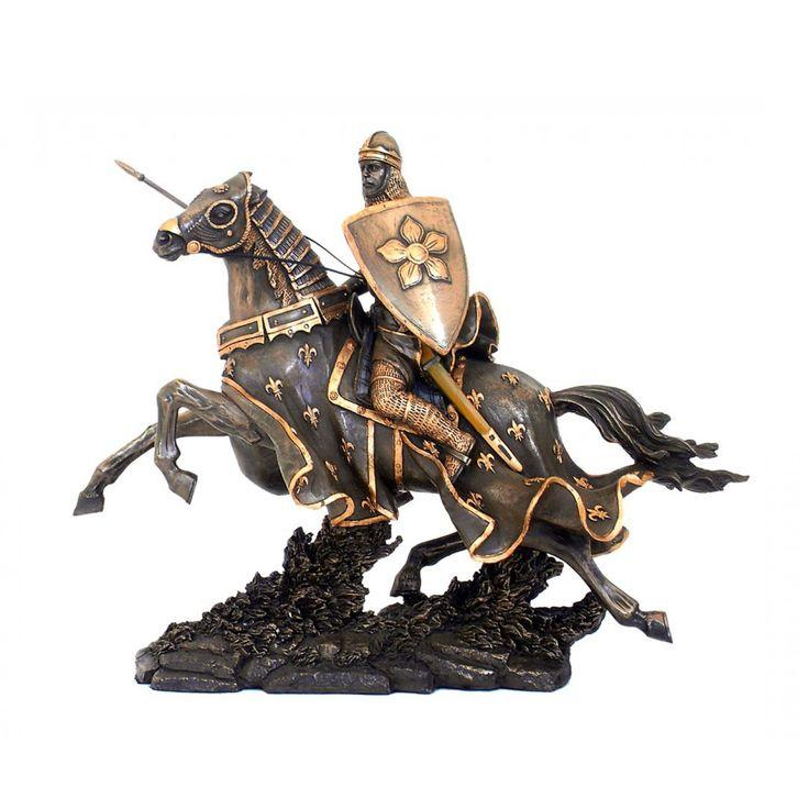 Statueta reprezentand un cavaler medieval pe cal, in pozitie de lupta, cu lance si scut, finisata manual.  Dimensiuni: 26cm
