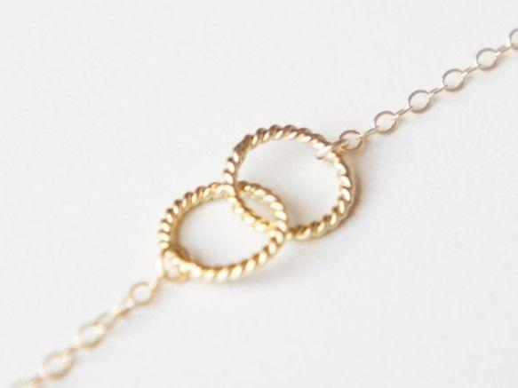18karat gold filledのインフィニティ・リングが主役のeveryday jewelryです。2つの円が連なるインフィニティ・リングは調和、永遠...|ハンドメイド、手作り、手仕事品の通販・販売・購入ならCreema。