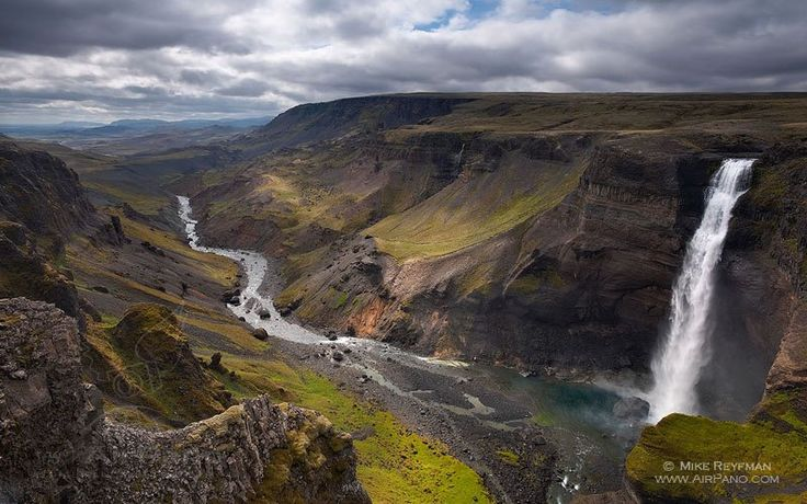 Virtual tour of Iceland • 360° Panorama Iceland is a far and mysterious country with a legendary history. Once upon a time, Norwegian captain Floki Vilgerdarson was going to sail and took three ravens with him. On the tenth day he let the first bird fly and it flew to the East, back to Norway. …