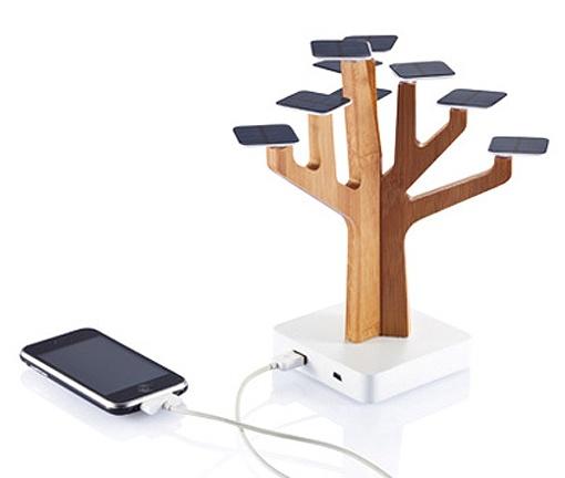 Árbol cargador de i-phones. ¡Muy ecológico!