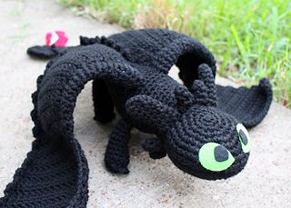Toothless (dragon) - Free crochet pattern with plenty of photos by Handmade by Nichole
