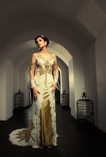 an Eye Notes: Fashion spread (kebaya shots) - Perkawinan magz, July 2011