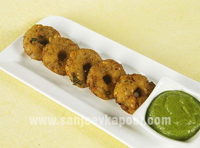 Bread Vada - Vegetable dumplings dipped in crumb batter, golden fried and served with chutney