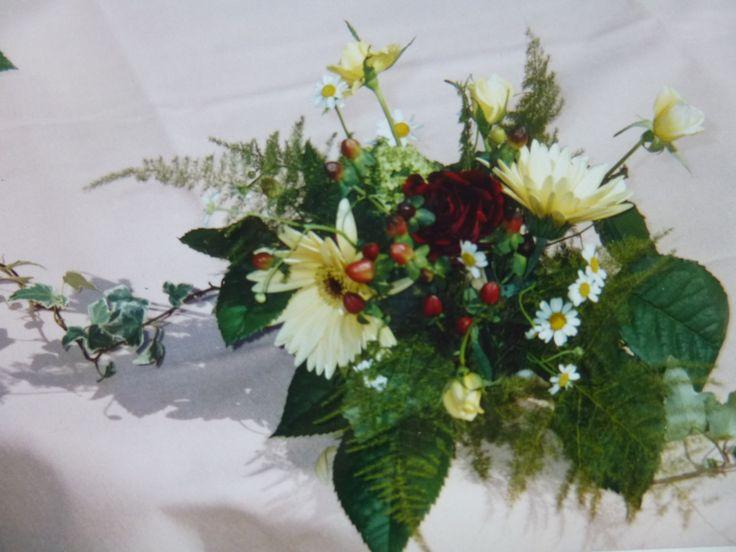 Fresh Flower Table Arrangement by Kent Florist Mikiko Inoue