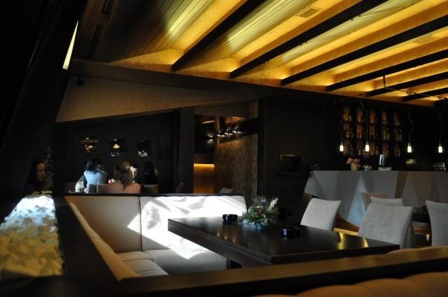False Ceiling with lights | Restaurants | Pinterest ...