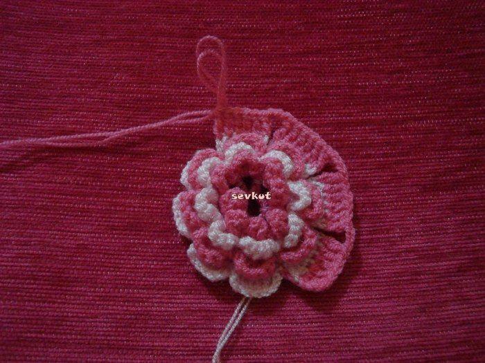 Crochet beauty flower