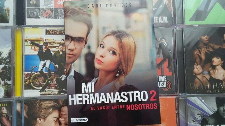 """""""Mi hermanastro 2: El Vacio Entre Nosotros: escrito por Dani Cubides."""
