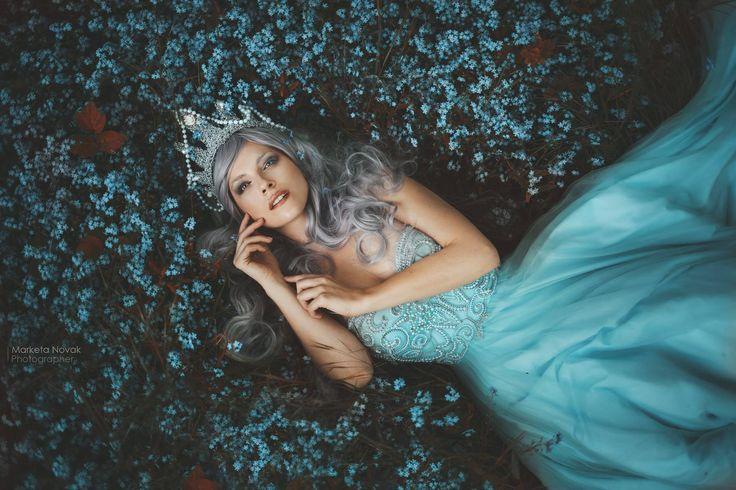 Forget-me-not - foto, make-up: Marketa Novak  modelka: Marcela Vovsová krásné šaty: Victory salon korunka: Treasures from Jitkita