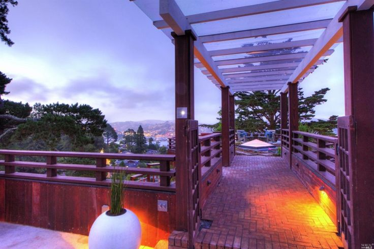 Mill Valley home offers myriad decks, giant chess board, hot tub ...