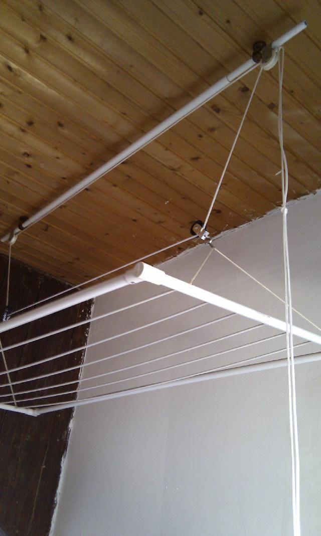 etendoir a linge plafond. Black Bedroom Furniture Sets. Home Design Ideas