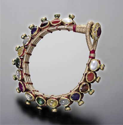 jna-sept-2011-news-9JG-Indian-jeweller-sets-sight-on-Asia-2_cp.jpeg 412×419 pixels