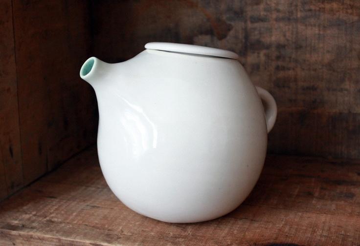 Shapely white teapot, tea service for two, please. - Black EiffelShape White, Teas Pots, Teapots 200, Clams Labs, Teas Service, White Teapots, White Room, Black Eiffel, Green Teapots