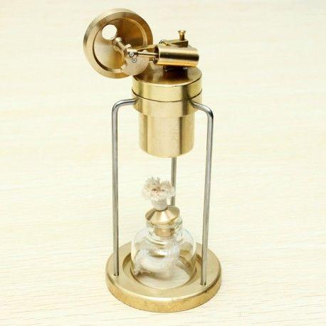Modellino in ottone di un motore a vapore Stirling