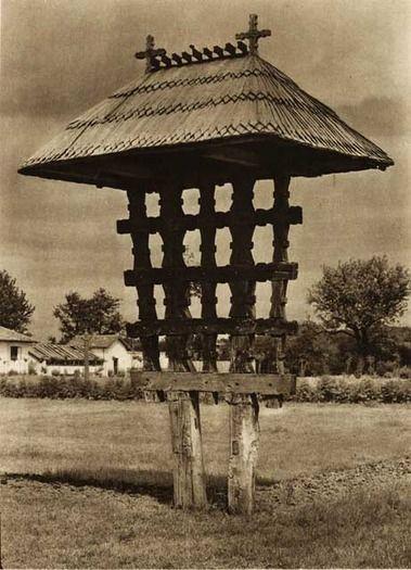 Curtisoara,-troita - case traditionale romanesti