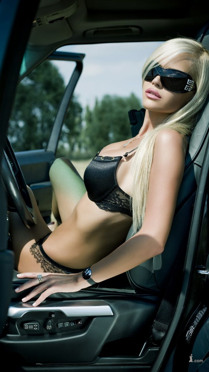 sexy naked girls on car