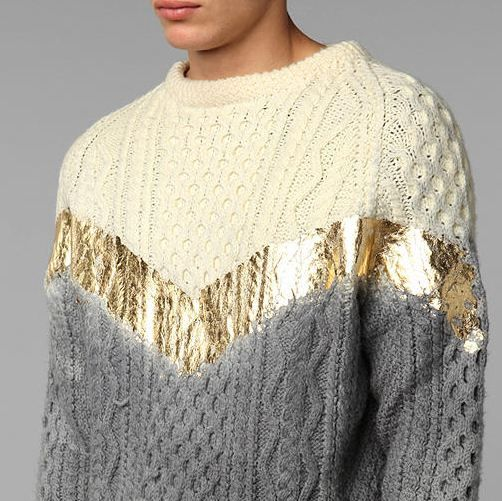 Glam chevron and a dip of grey on an Aran sweater, hmmm, I have a few I could experiment on............   k