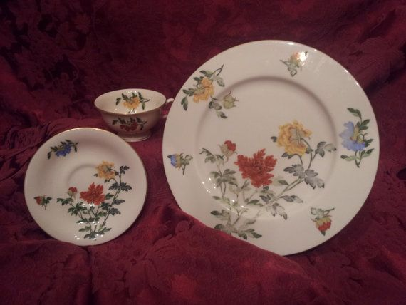 Castleton Ma Lin Chinaware Set 1948-1972, Plate with Teacup and Saucer, Yellow, Blue,  Orange Flowers,  Gold Trim, Made in USA