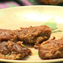 Aditya Bal learns how to make authentic Mughlai shami #kebab in the land of Taj Mahal- Agra!