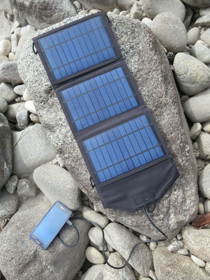 Instapark Mercury 10 Portable Solar Panel - enough juice to charge 2 cell phones