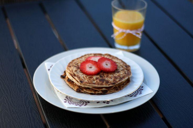 Kunne du godt spise pandekager til morgenmad? Så prøv disse sunde pandekager med hytteost og æble. Så får du en perfekt start på morgenen.