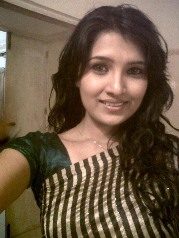 Vani Bhojan Profile Vani Bhojan Profile | ...