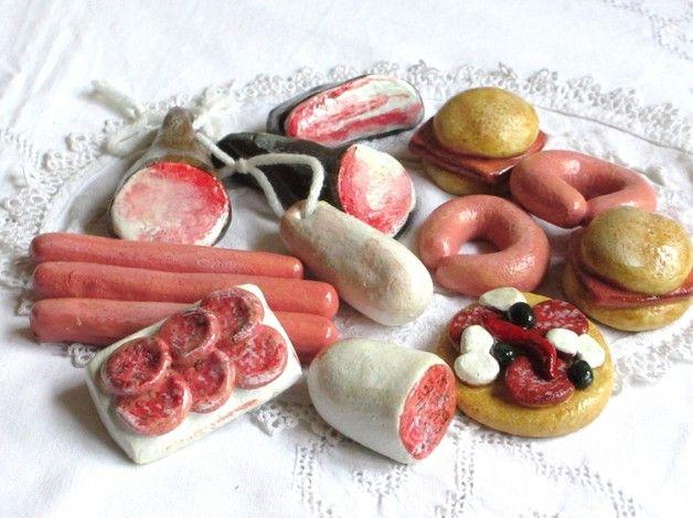 *14x Wurst und... für Kaufladen      --- Handarbeit ---*  Salami, Schinken, Leberkässemmel, Pizza, Wurstplatte, Wurstring, geräucherter Bauch, Wurst,  Die Metzgereiartikel wurden von mir aus...