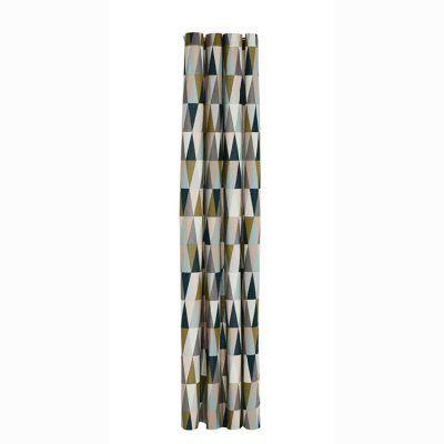 Spear dusjforheng fra Ferm Living. Forhenget er laget av 100 % bomull og acryl. Det er vanntett og h...