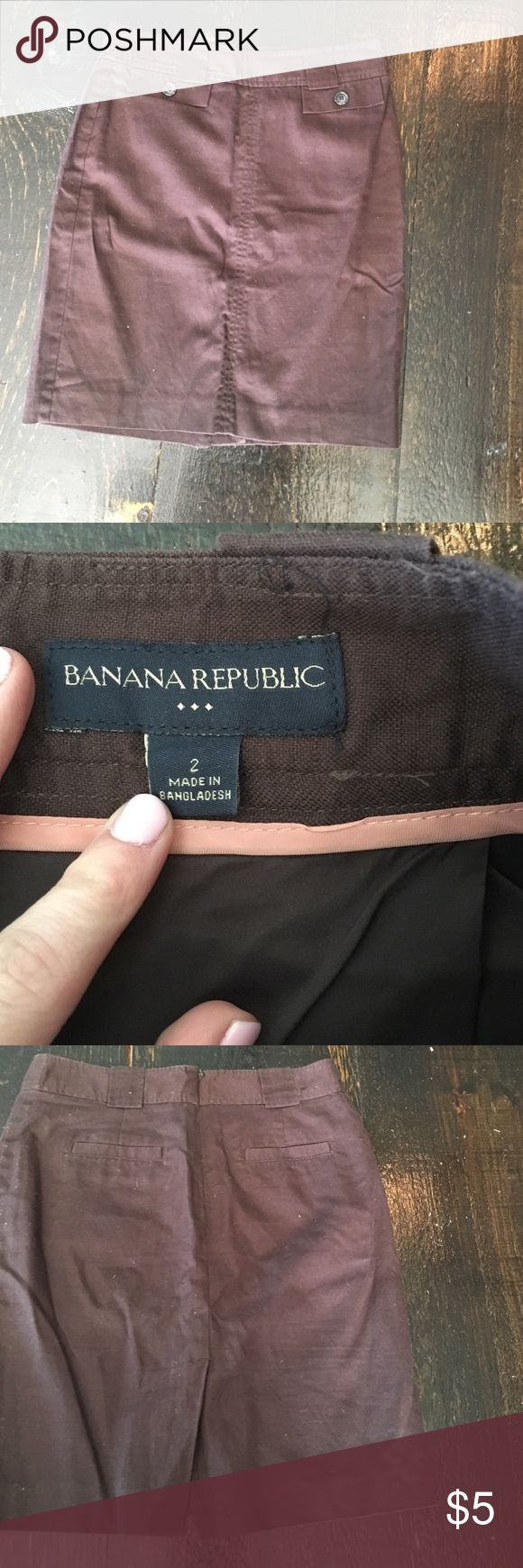 Banana Republic linen and cotton pencil skirt Banana Republic linen and cotton pencil skirt. Size 2. Worn once good condition. Banana Republic Skirts