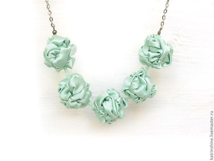 Бусы зеленые - бусы из ткани, летние бусы, авторские украшения, handmade weddings necklace
