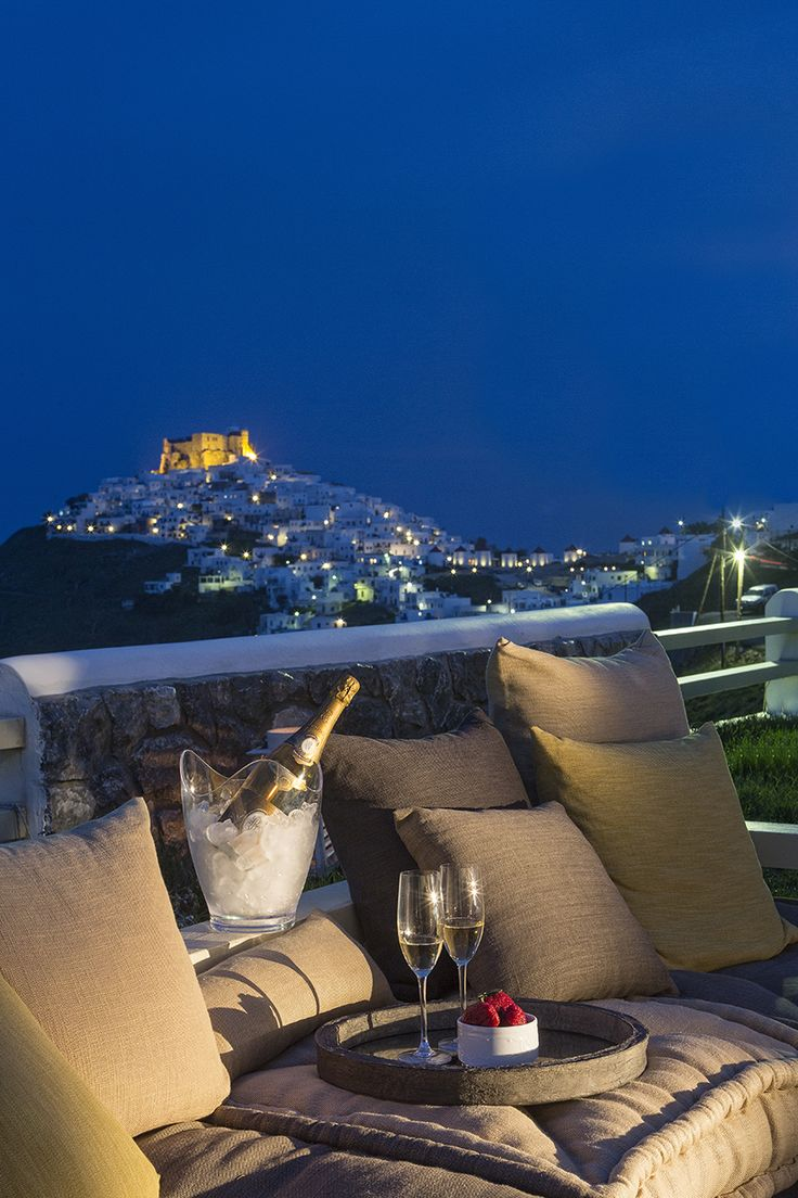 "During Holy Spirit's #holiday, make your first summer escape in #Astypalaia and the exquisite #MelogranoVillas. From May 30 to June 1, travel to the ""butterfly"" of the #Aegean and the luxurious villas that offer a distinguishable aspect of #accommodation. http://www.tresorhotels.com/en/offers/270/apodraste-sthn-astypalaia-to-trihmero-toy-agioy-pneymatos"