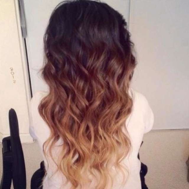 Ombré; to fade from dark to light or the other way around I WANT THIS COLOR!!!