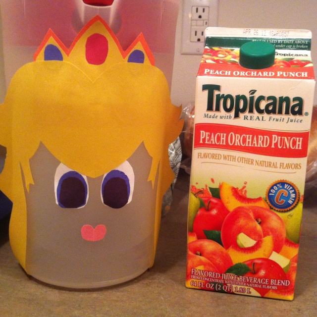 Princess peach drink: Kids Parties, Peaches Drinks, Kiki Birthday, Princesses Peaches, Parties Ideas, Gamer Stuff, Peach Drinks, Julien Birthday, Birthday Ideas
