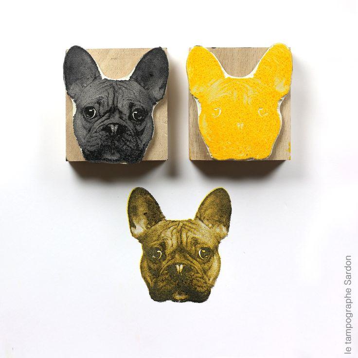 Jeu de deux tampons en bichromie permettant d'imprimer la tête d'un dogue français. A utiliser avec des encreurs orange et noir (se reporte...