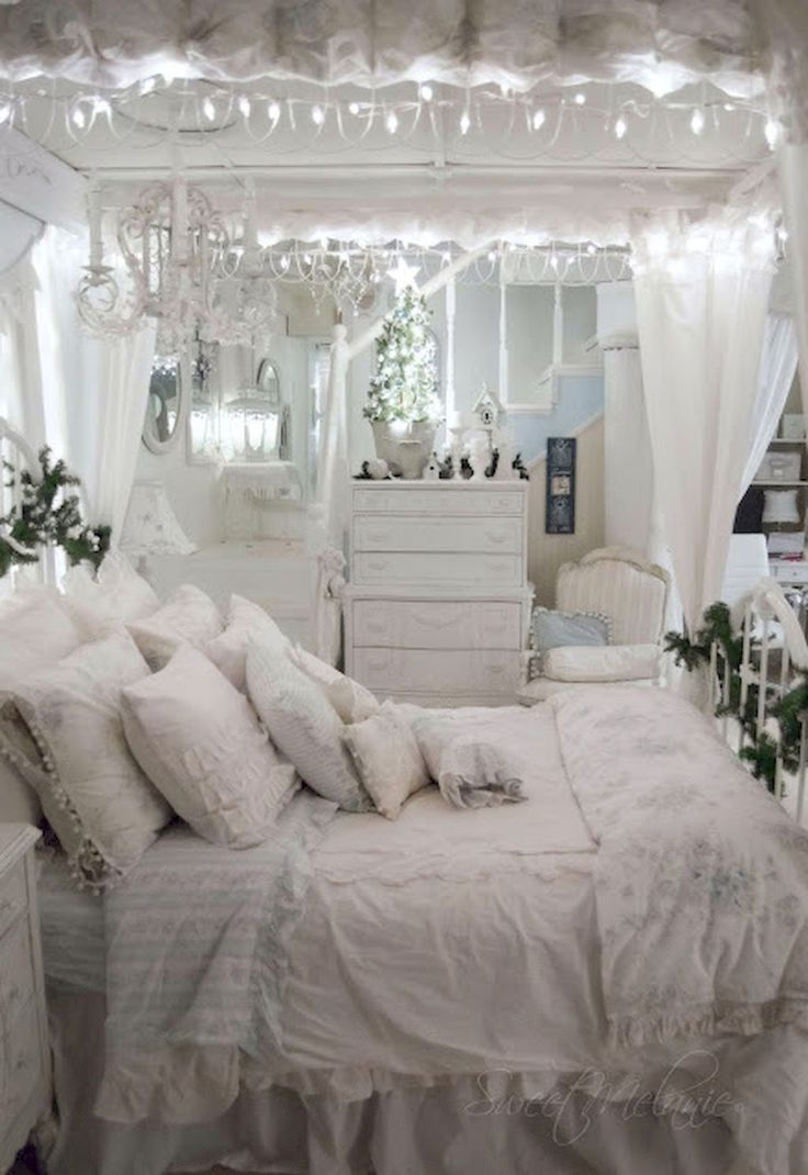 blue and white vintage bedroom 1732 best Bedrooms for romantic cottage decor images on