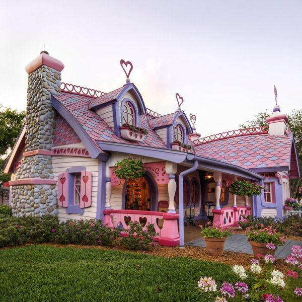 Make me think of either hello kitty or minnie mouse's house: Houses, Pink House, Dream House, Cottage, Minnie Mouse, Homes, Place, Fairytale