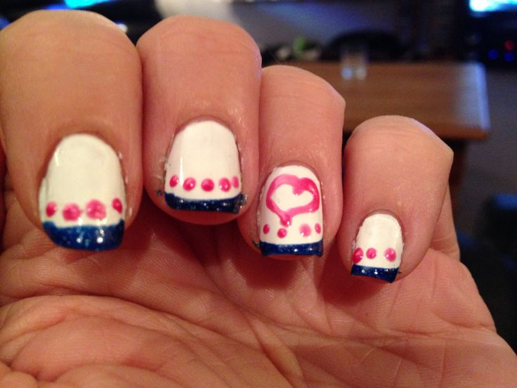 Heart & dots french mani.