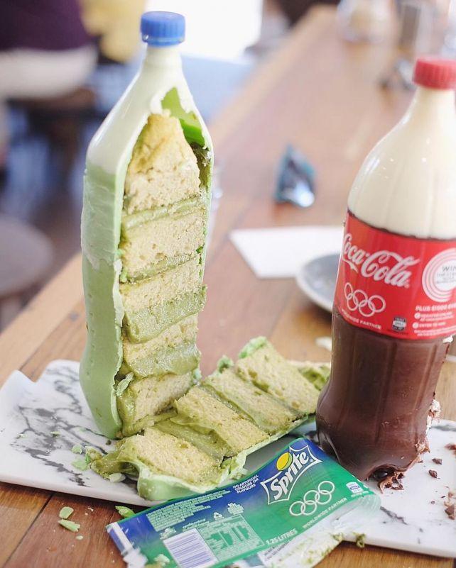 Необычные торты в виде Coca-Cola #лайфхаки #технологии #вдохновение #приложения #рецепты #видео #спорт #стиль_жизни #лайфстайл