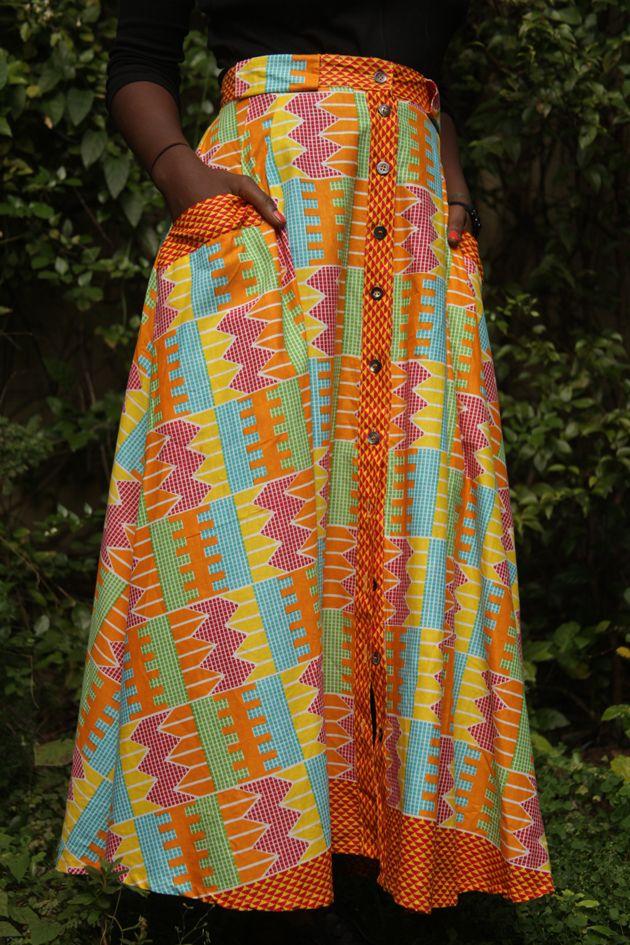 A estampa multicolorida reproduz os trabalhos de tear dos Ashantis, povo da Costa do Ouro. Saia Okan (R$ 230)
