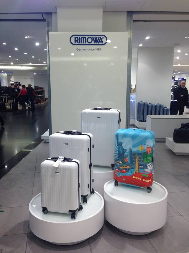LOQI in love with #RIMOWA suitcases at #KaDeWe.