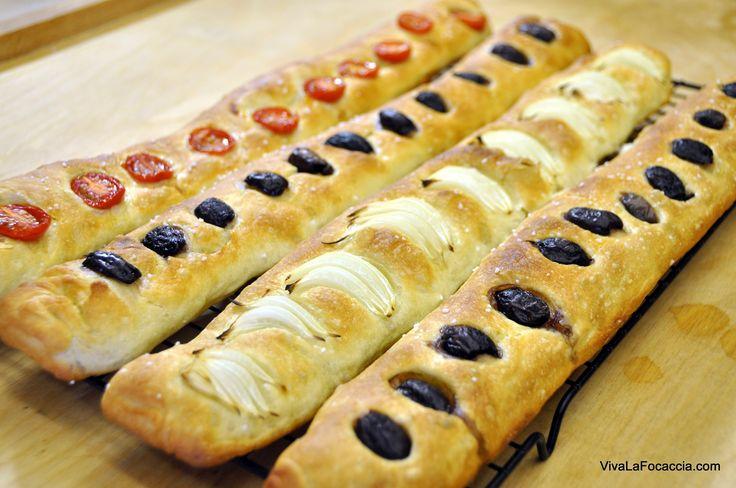 VivaLaFocaccia.com||Ricetta semplice stecca di pane ai pomodori, olive e cipolle