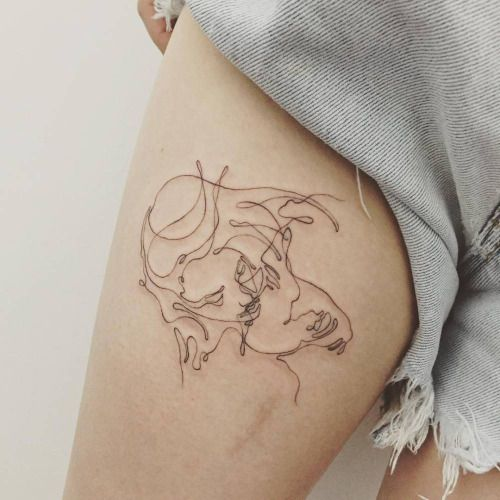 cutelittletattoos:  Continuous line drawing kiss. Tattoo artist:...