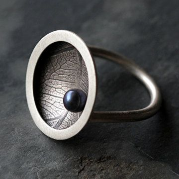 Black pearl and leaf patterned ring by TownHallStudio on Etsy