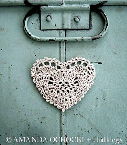 crochet heart pocket