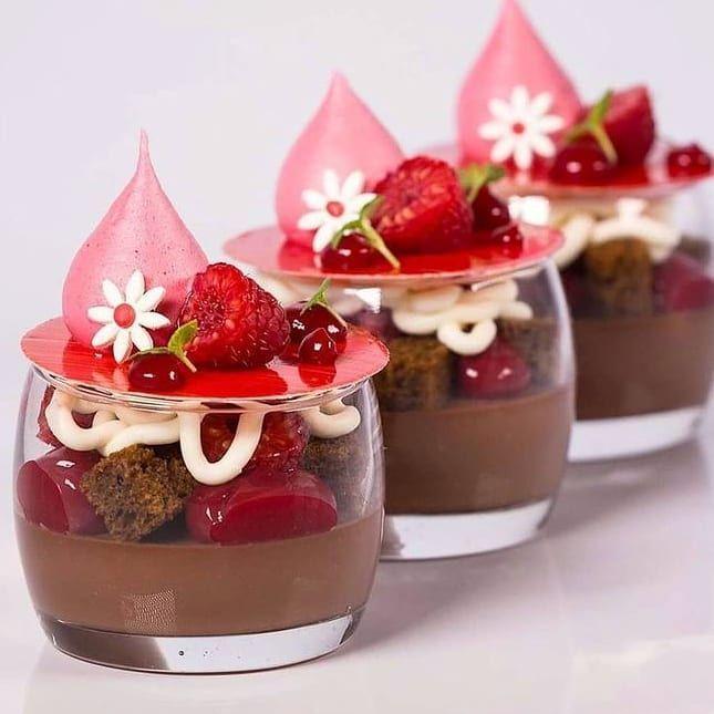 Pastry Academy Of Elite Pastry Academy Of Elite Posted On Instagram Raspberry Chocolate Verrine In 2021 Fun Desserts Fancy Desserts Dessert Recipes
