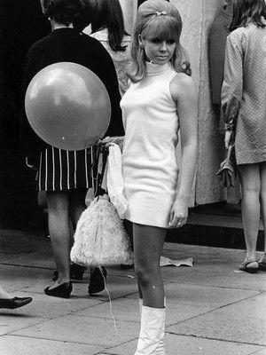 Die besten 25 60er jahre mode ideen auf pinterest 60er for Mobel aus den 50er 60er und 70er jahren